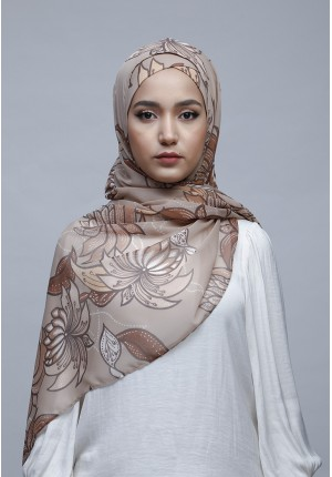 Astrantia-Free Style with Xinner-Printed Crinkled Chiffon